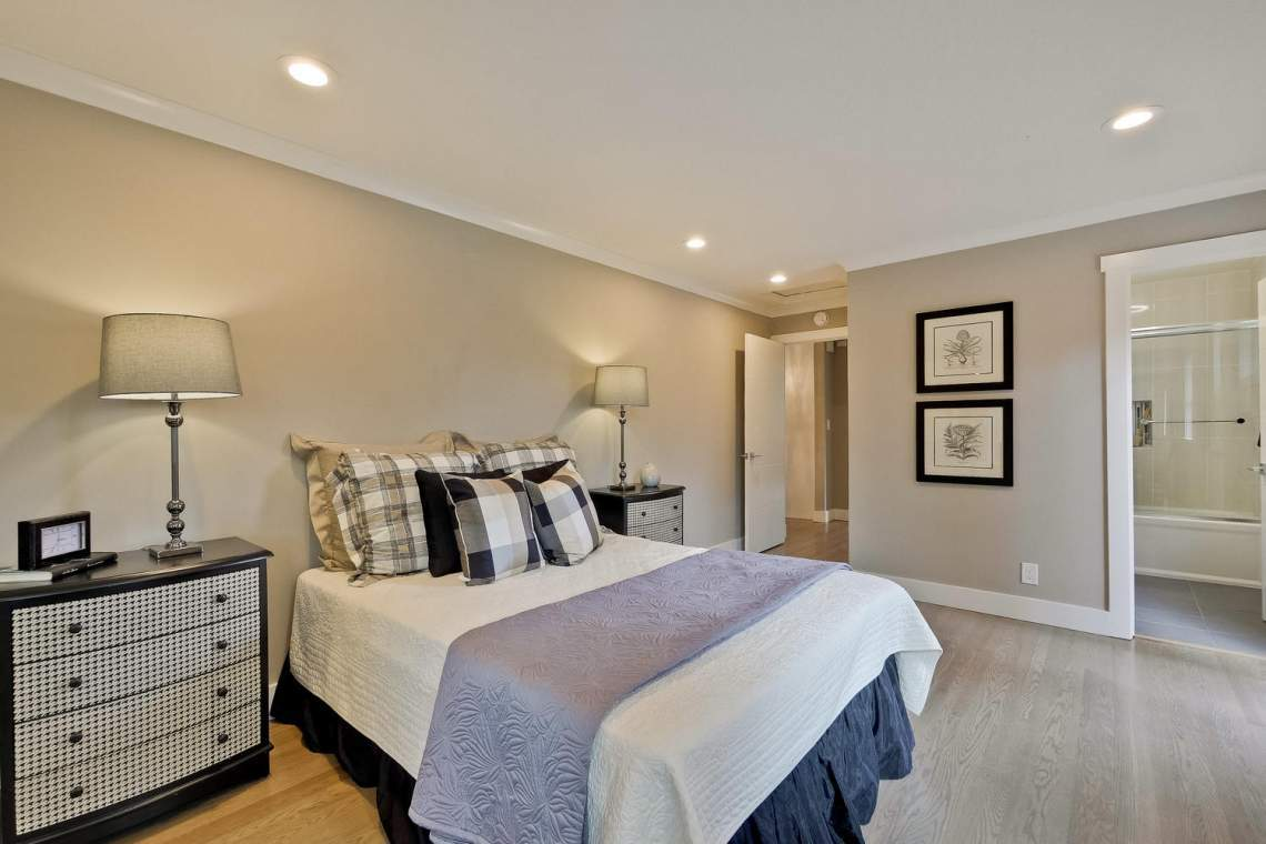 1130 Windermere Avenue Menlo-large-024-40-Master Bedroom-1500x1000-72dpi