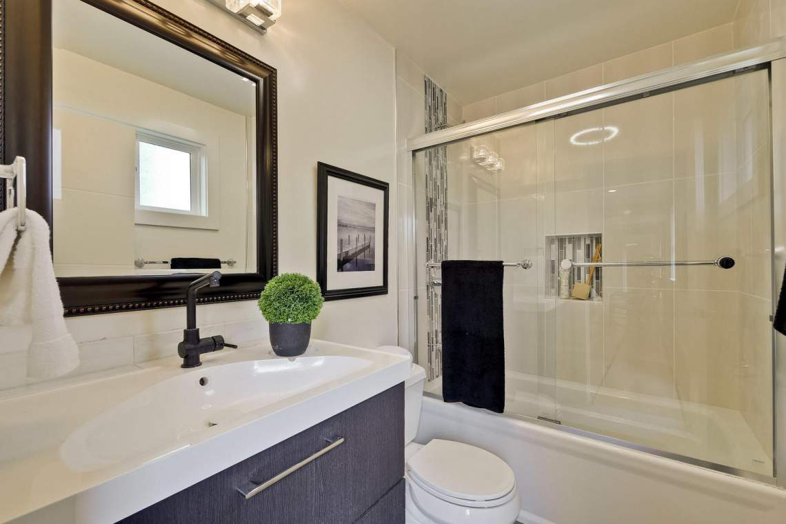 1130 Windermere Avenue Menlo-large-026-10-Master Bathroom-1500x1000-72dpi