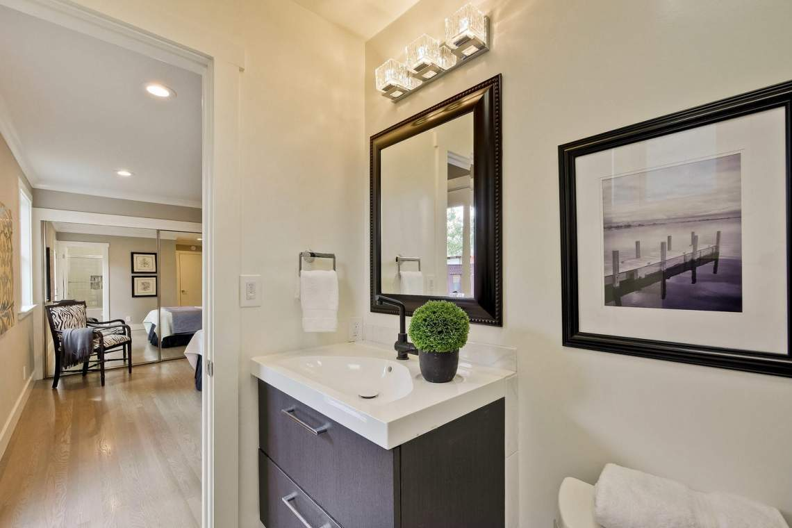1130 Windermere Avenue Menlo-large-027-13-Master Bathroom-1500x1000-72dpi