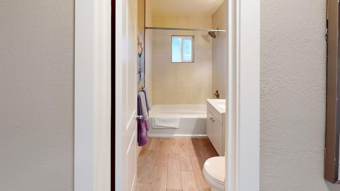 2253-Addison-Avenue-East-Palo-Alto-CA-Bathroom