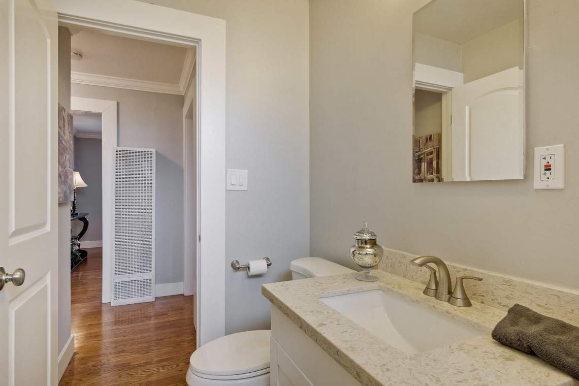 352 Azalia Drive East Palo-large-029-9-Bathroom-1500x1000-72dpi