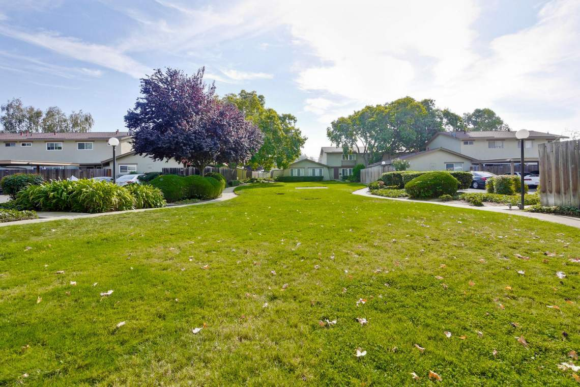 4686 Balboa Way Fremont CA-large-040-21-Cabrillo Gardens Townhomes-1500x1000-72dpi