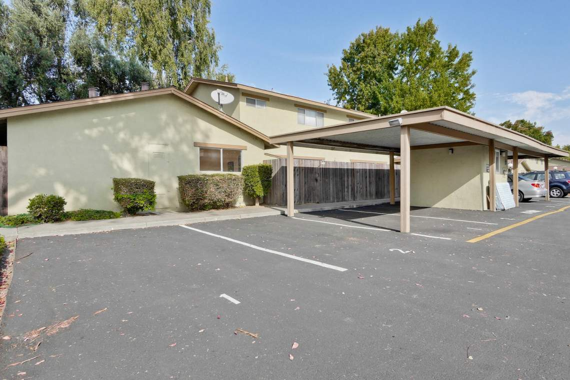 4686 Balboa Way Fremont CA-large-042-5-Cabrillo Gardens Townhomes-1500x1000-72dpi