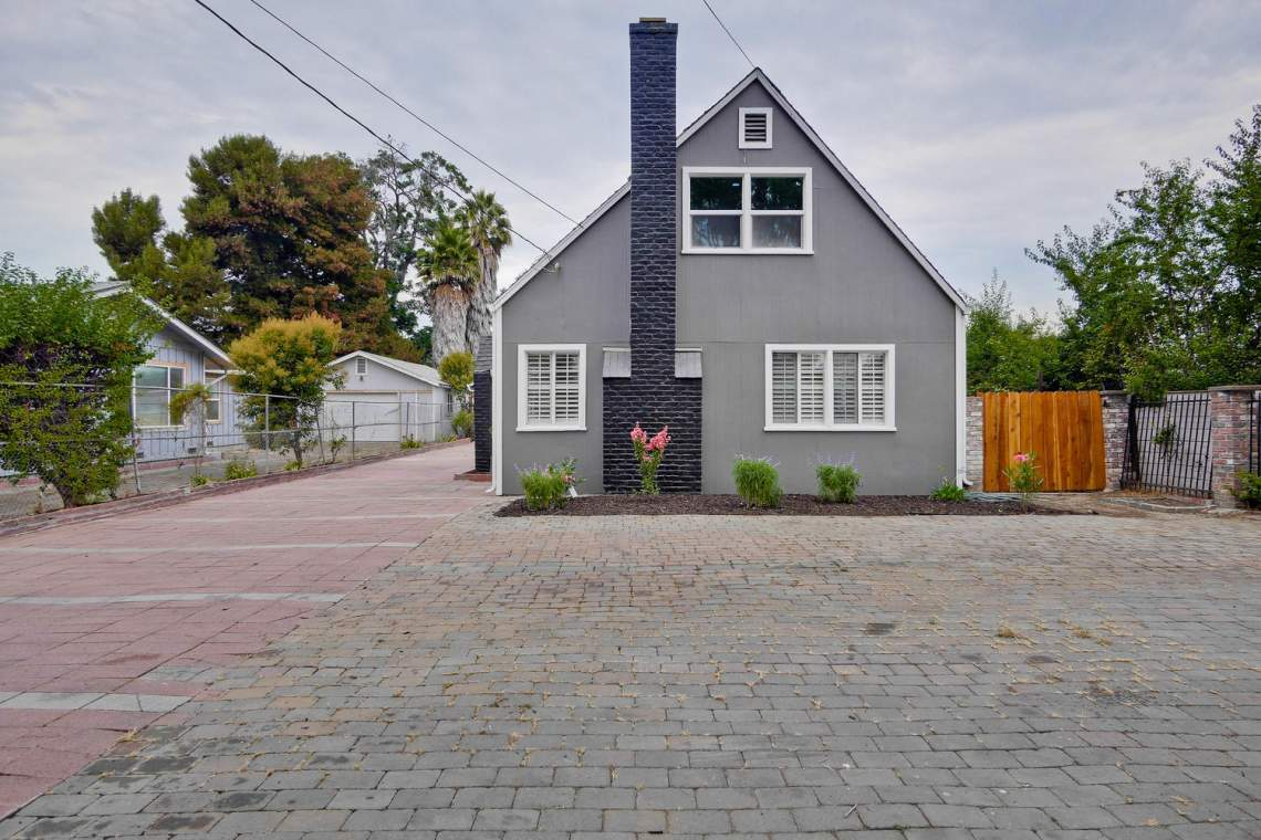 475 Bell Street East Palo Alto-large-004-35-Front-1500x1000-72dpi