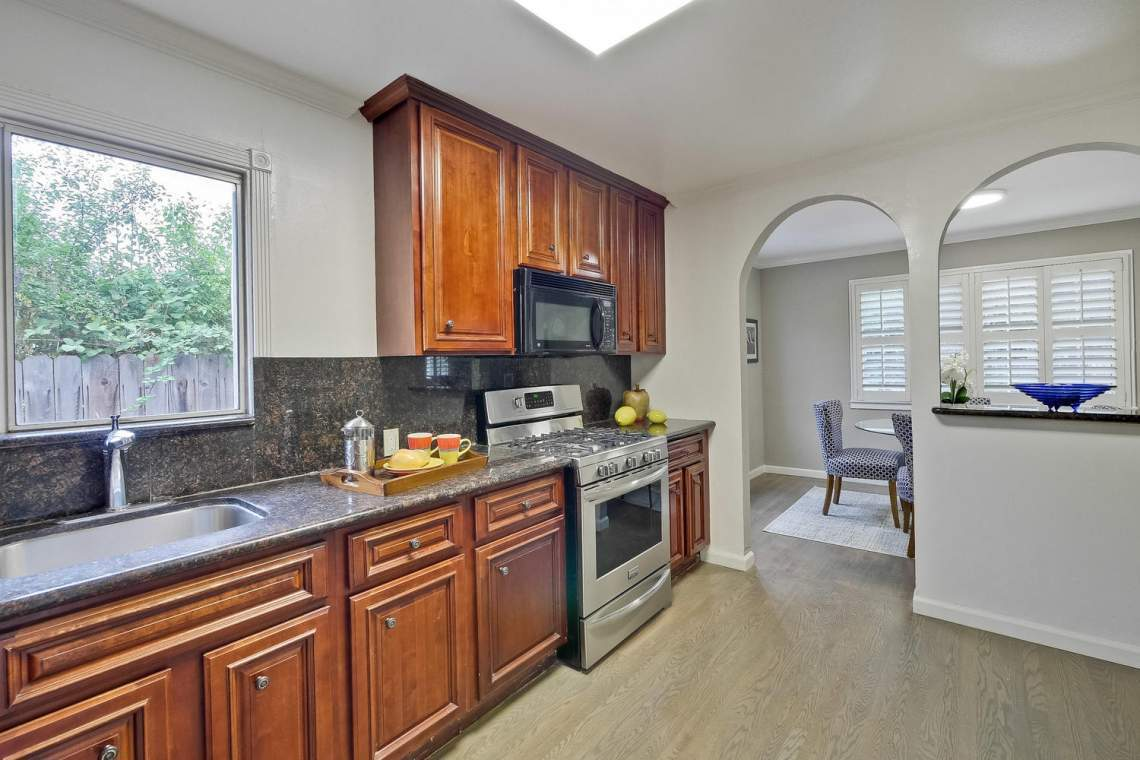 475 Bell Street East Palo Alto-large-027-30-Kitchen-1500x1000-72dpi